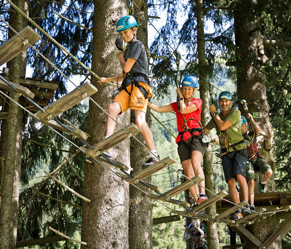 Family-climbing-park-Saalbach Hinterglemm ©saalbach.com, Mirja Geh
